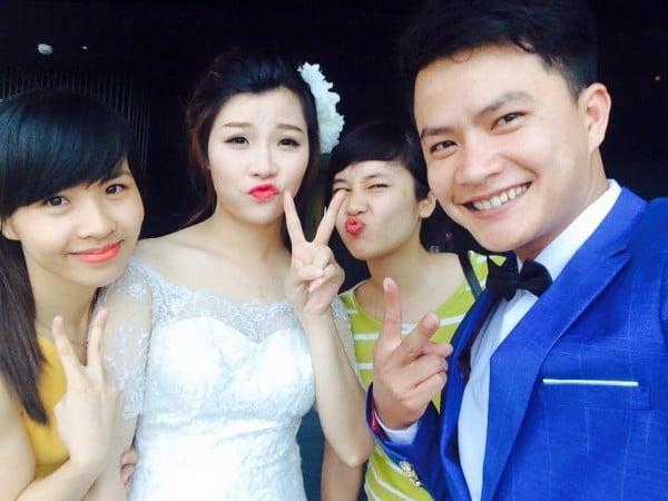 Sự thật đằng sau bức ảnh cô dâu, chú rể thời smart phone 4
