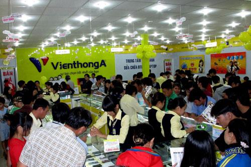 Hình ảnh Người dùng đổ xô mua smartphone để hưởng Dịch vụ VIP 6 sao số 3