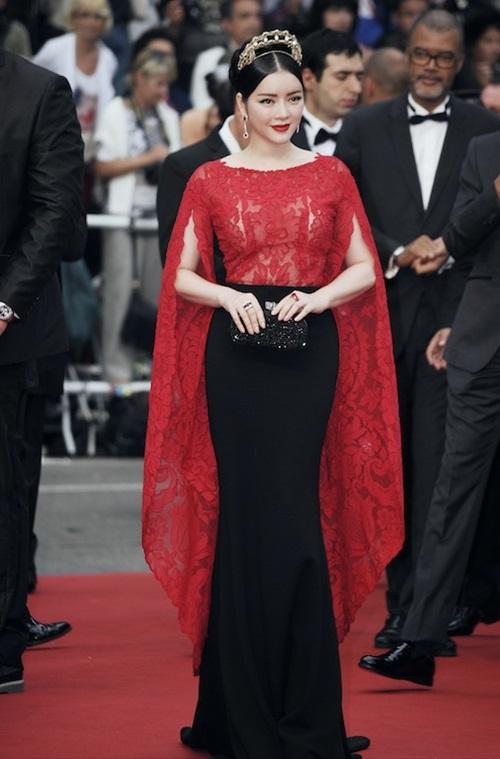 Lý Nhã Kỳ lộng lẫy trên thảm đỏ Cannes ngày thứ 2 2