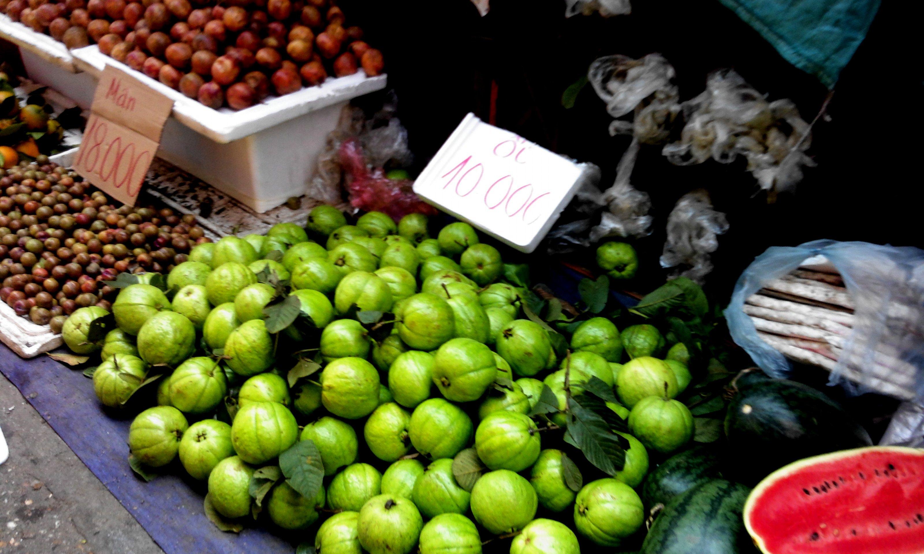 Nguy hại khôn lường từ hoa quả đầu mùa giá rẻ 1