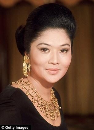Người cô vợ giàu có, siêu quyền lực của bố chồng Hà Tăng 1