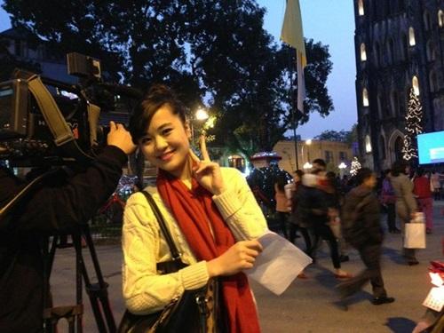 Hình ảnh đời thường của BTV Thời tiết 'gợi cảm nhất Việt Nam' 1