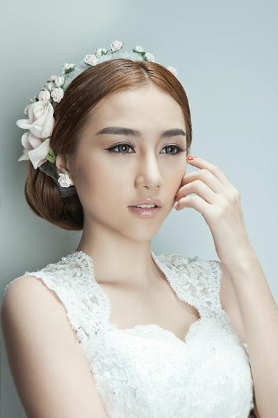Gợi ý cách trang điểm cô dâu tự nhiên cho ngày cưới 3