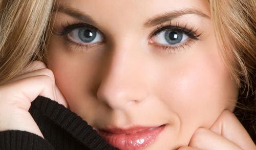 Hình ảnh Bí quyết để trang điểm tự nhiên trong nháy mắt số 2