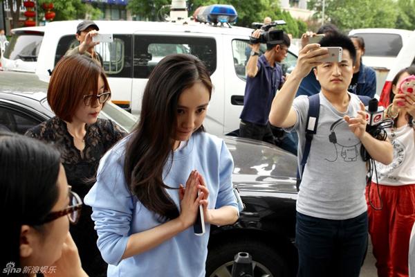 Chồng Dương Mịch lần đầu lên tiếng về clip nhạy cảm của vợ 5