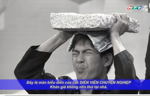 Người bí ẩn 2015 tập 11: Hoài Linh, Việt Hương ôm heo lên sân khấu 8