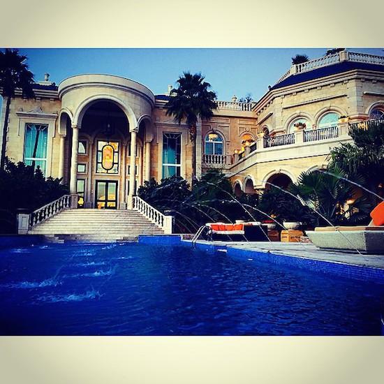 Cuộc sống xa hoa của con trai ông chủ bất động sản giàu nhất nhì Dubai  7