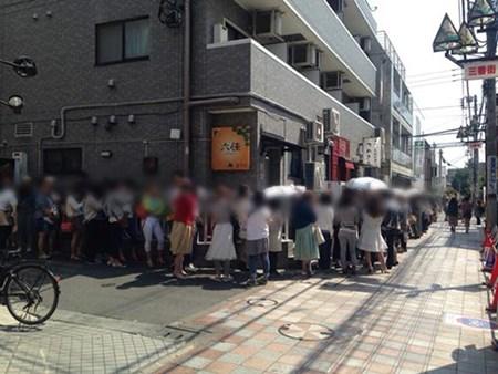"""20150526084133 cafe4 Quán café """"cơ bắp"""" hút phái nữ tại Nhật Bản"""