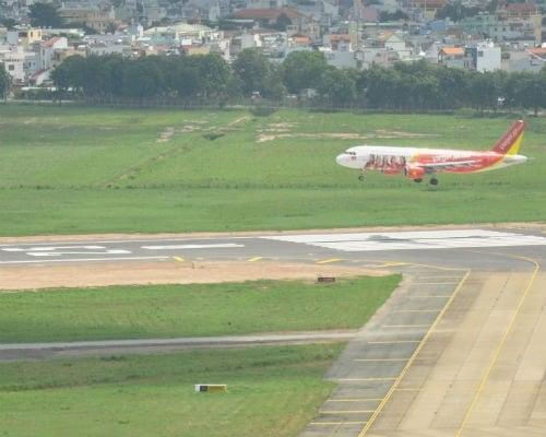 Sân bay Cát Bi hỏng đường băng, hàng loạt chuyến bay bị hủy 1