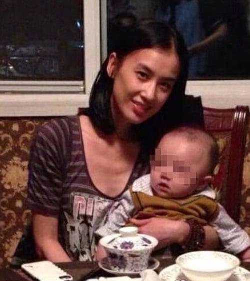 Mỹ nhân Hoa ngữ Huỳnh Thánh Y sinh con cho đại gia có vợ 1
