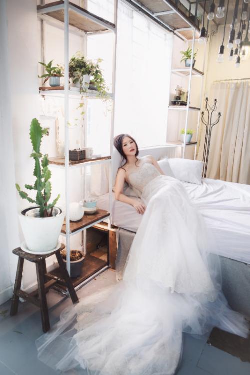 Hương Tràm bất ngờ diện váy cưới ở tuổi 20 9