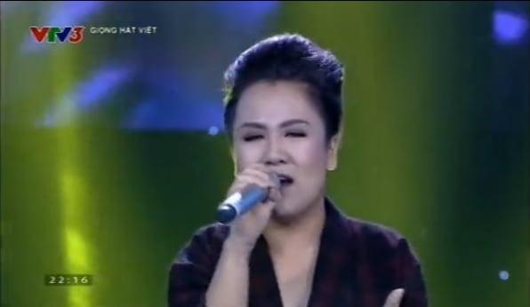 Giọng hát Việt 2015 tập 4: Tuấn Hưng cầm giầy, Thu Phương cởi áo tặng thí sinh 4