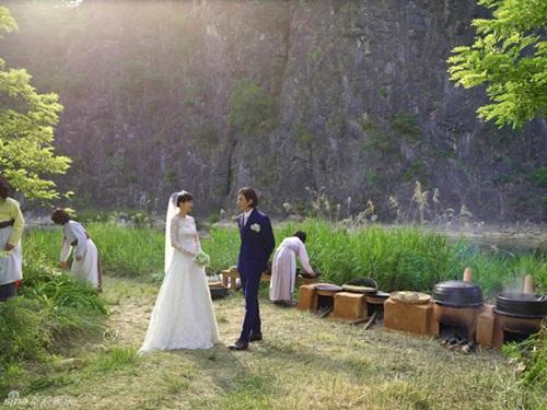 Ảnh cưới giản dị giữa cánh đồng của Won Bin và Lee Na Young 1