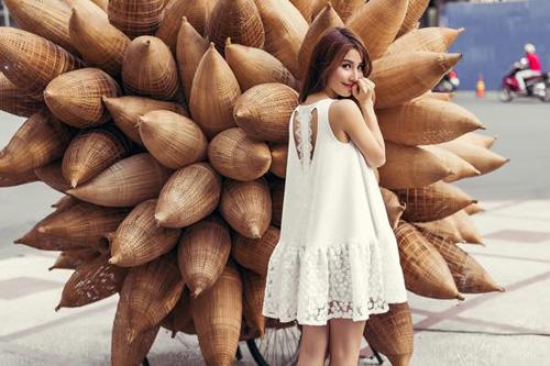 Học cách xuống phố đón hè của Diễm My với vẻ đẹp ngọt ngào 8