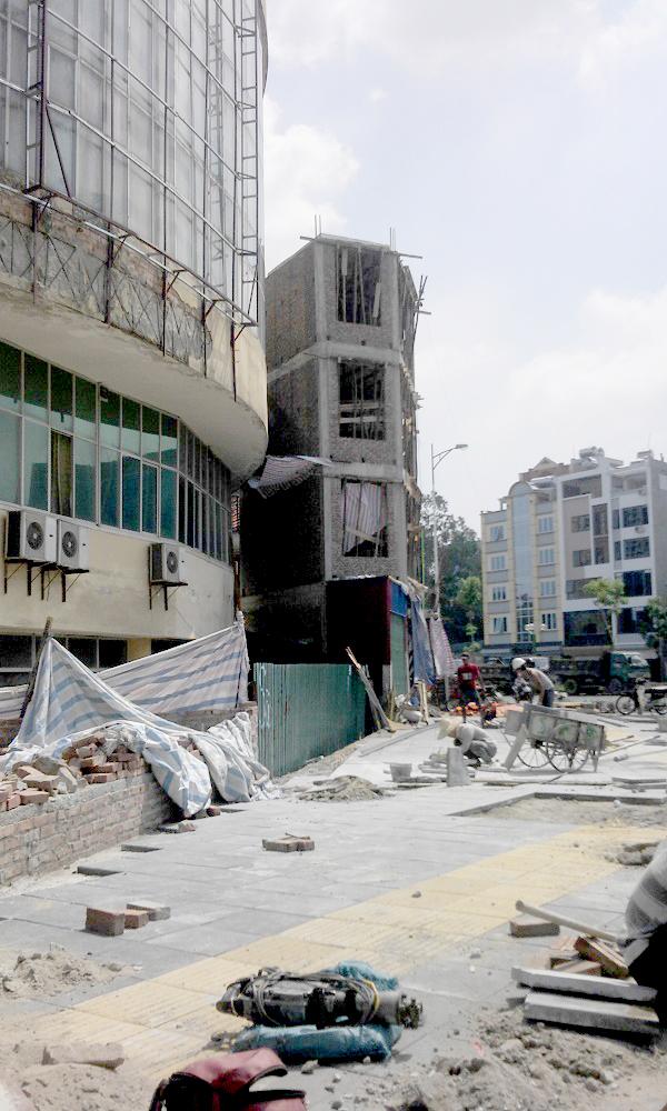 Cận cảnh nhà siêu mỏng, siêu méo ở con đường đắt nhất Hà Nội 4