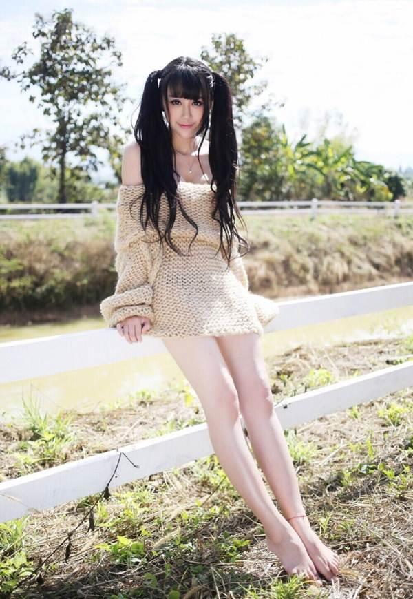 Nữ giám đốc 21 tuổi khoe vẻ đẹp nóng bỏng, gợi cảm 4