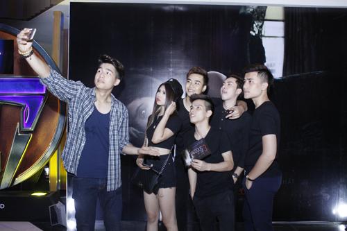 Con gái Thanh Lam nhí nhảnh đi xem phim Insidious 3 – Qủy Quyệt 13