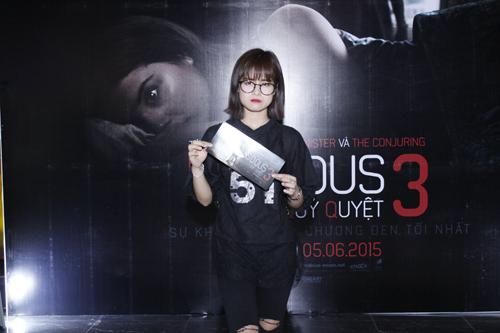 Con gái Thanh Lam nhí nhảnh đi xem phim Insidious 3 – Qủy Quyệt 5