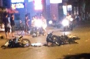 Xe máy kẹp 3 gây tai nạn kinh hoàng do chạy trốn công an 1