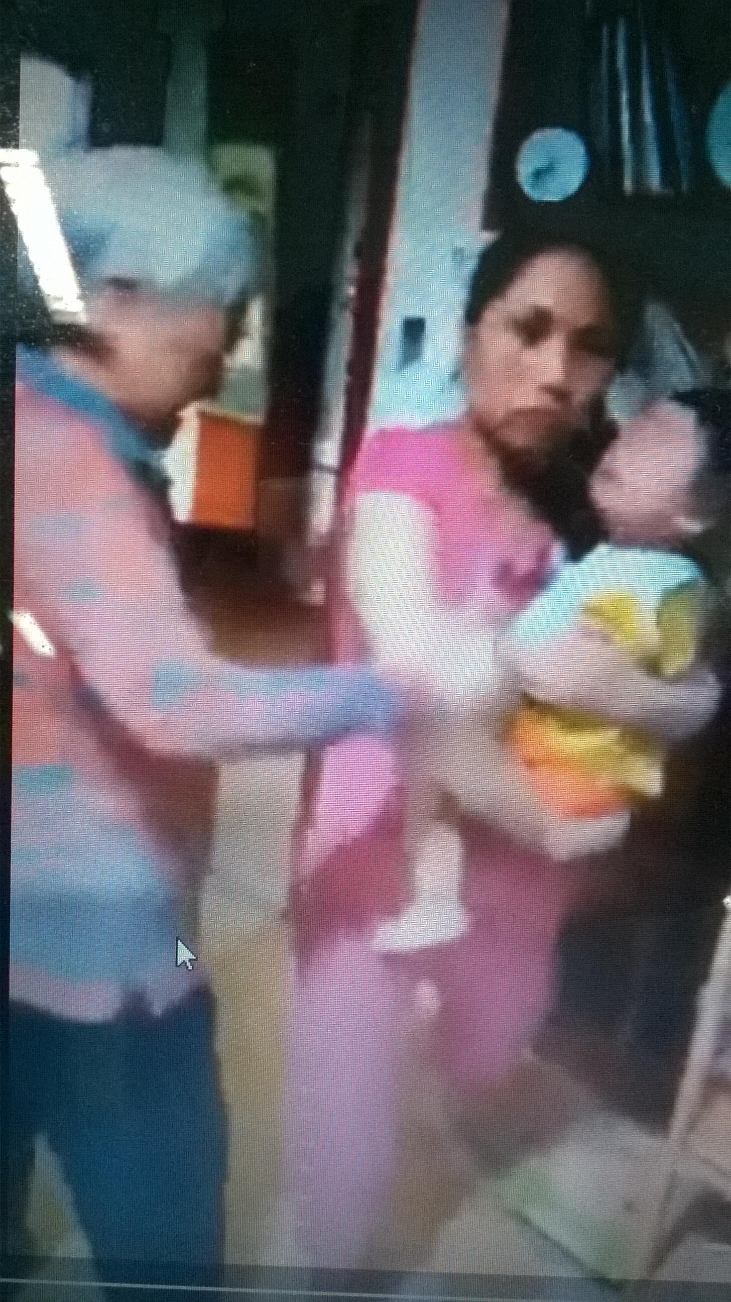 Xôn xao clip mẹ chồng ngoại xô đẩy, mạt sát con dâu Việt 1