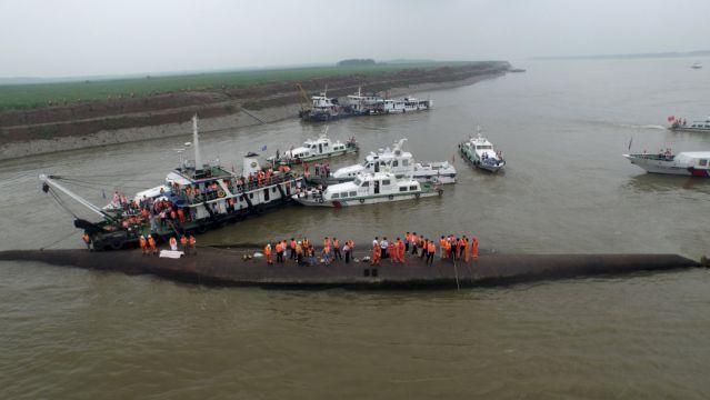 Thuyền trưởng tàu Trung Quốc bị lật lên tiếng 2