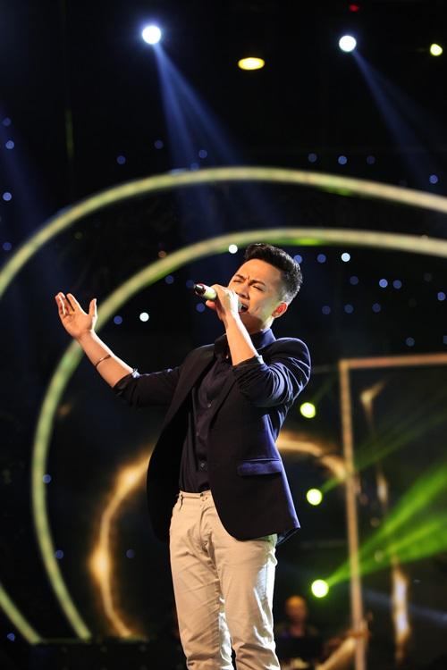 Vietnam Idol 2015 Gala 2: Trọng Hiếu được khen hát tiếng Việt tốt hơn Thanh Bùi 7
