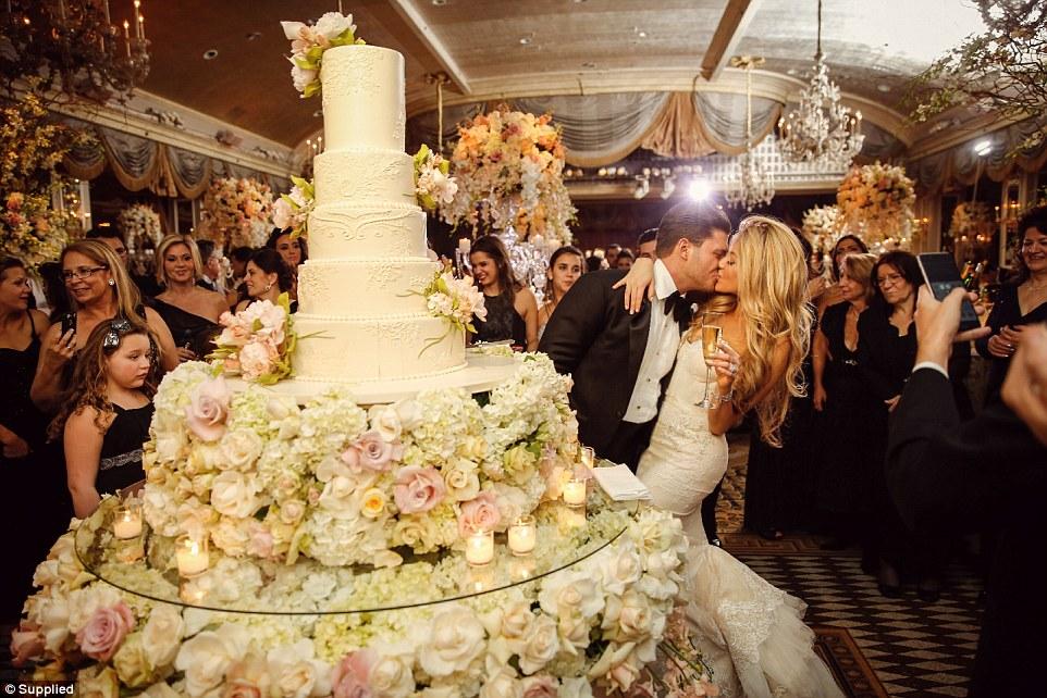 Đám cưới siêu sang nhất thế giới: Cô dâu chi hơn 21 tỷ đồng cho hoa tươi 6
