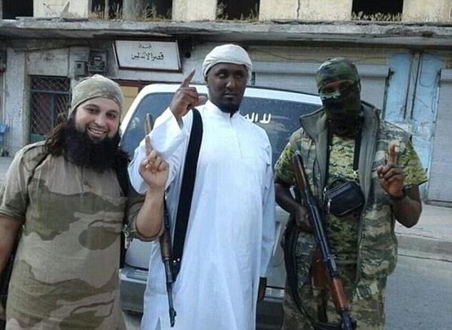 Lộ diện tên đồ tể đáng sợ nhất của IS 5