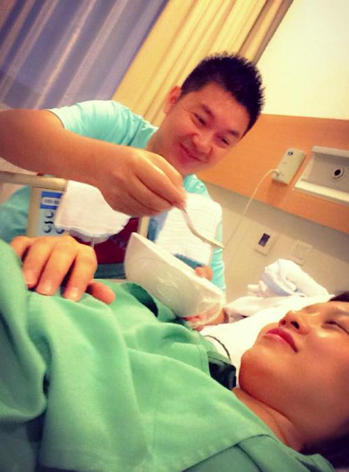 Thái Thùy Linh hạ sinh quý tử sau 1 năm lên xe hoa cùng chồng mới 2