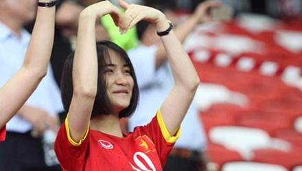 Hòa Minzy mặc áo Công Phượng, công khai tình cảm? 4