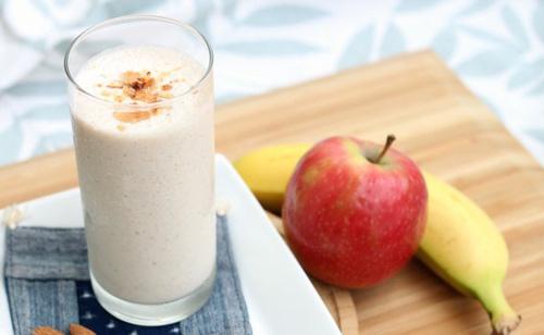Cách làm sinh tố chuối táo thơm ngon bổ dưỡng tại nhà 1
