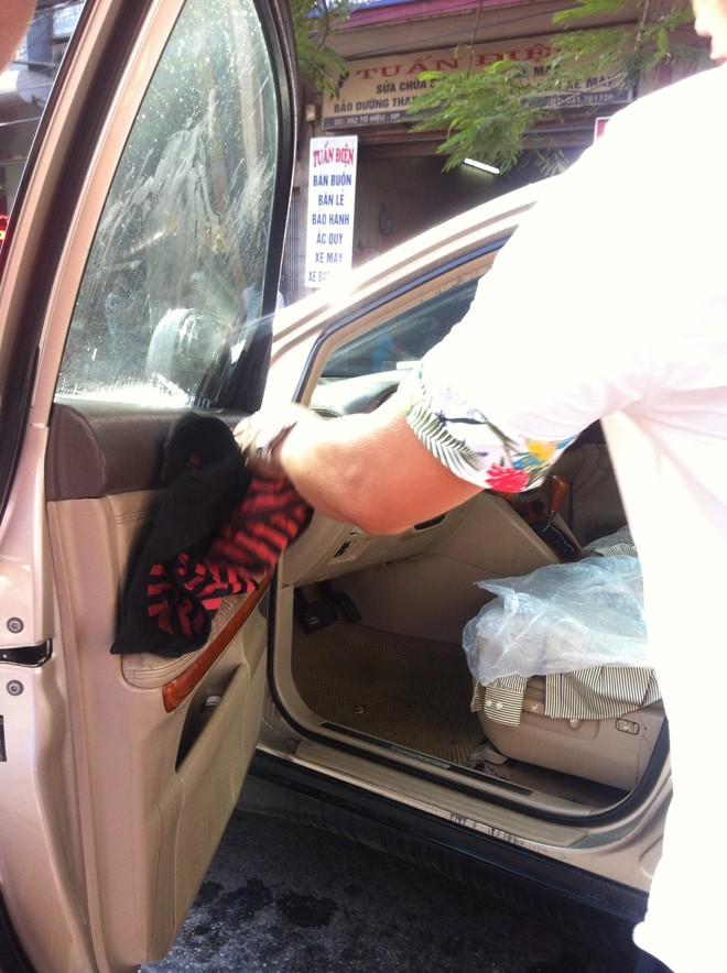 2 giả thiết vụ đại gia Hải Phòng và bạn gái bị tạt axit trong xe Lexus 1