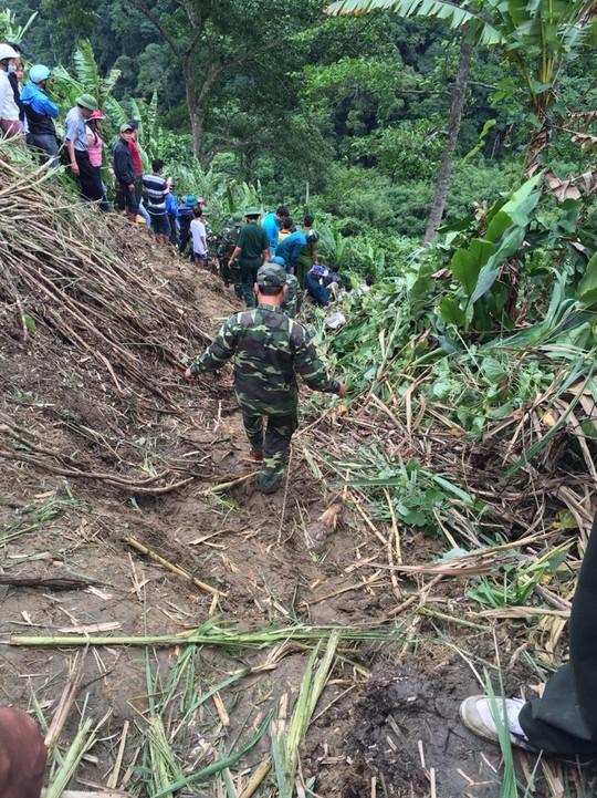 Hiện trường vụ tai nạn thảm khốc, xe giường nằm lao xuống vực sâu 100m 4