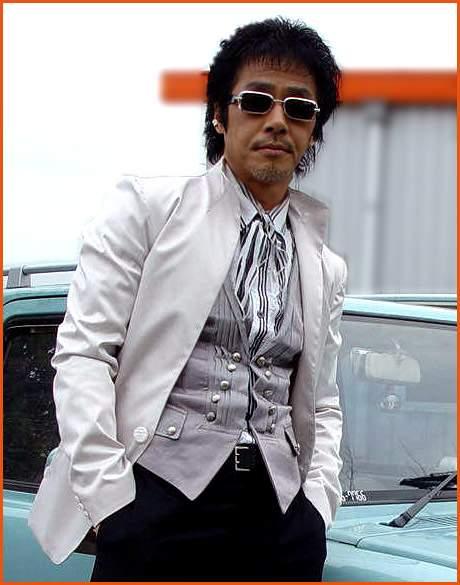 Nam diễn viên Hàn Quốc đốt than tự tử trong xe hơi 2