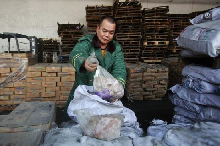 Ảnh: Kinh hoàng lô hàng 100.000 tấn thịt thối quá hạn 40 năm 1