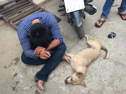 Trộm chó bị phát hiện, nhảy xuống sông bèo 1