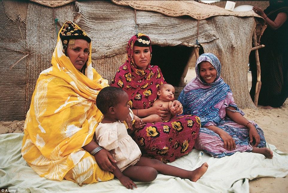 """Khám phá bộ lạc du mục """"nữ quyền"""" bí ẩn ở sa mạc Sahara 16"""