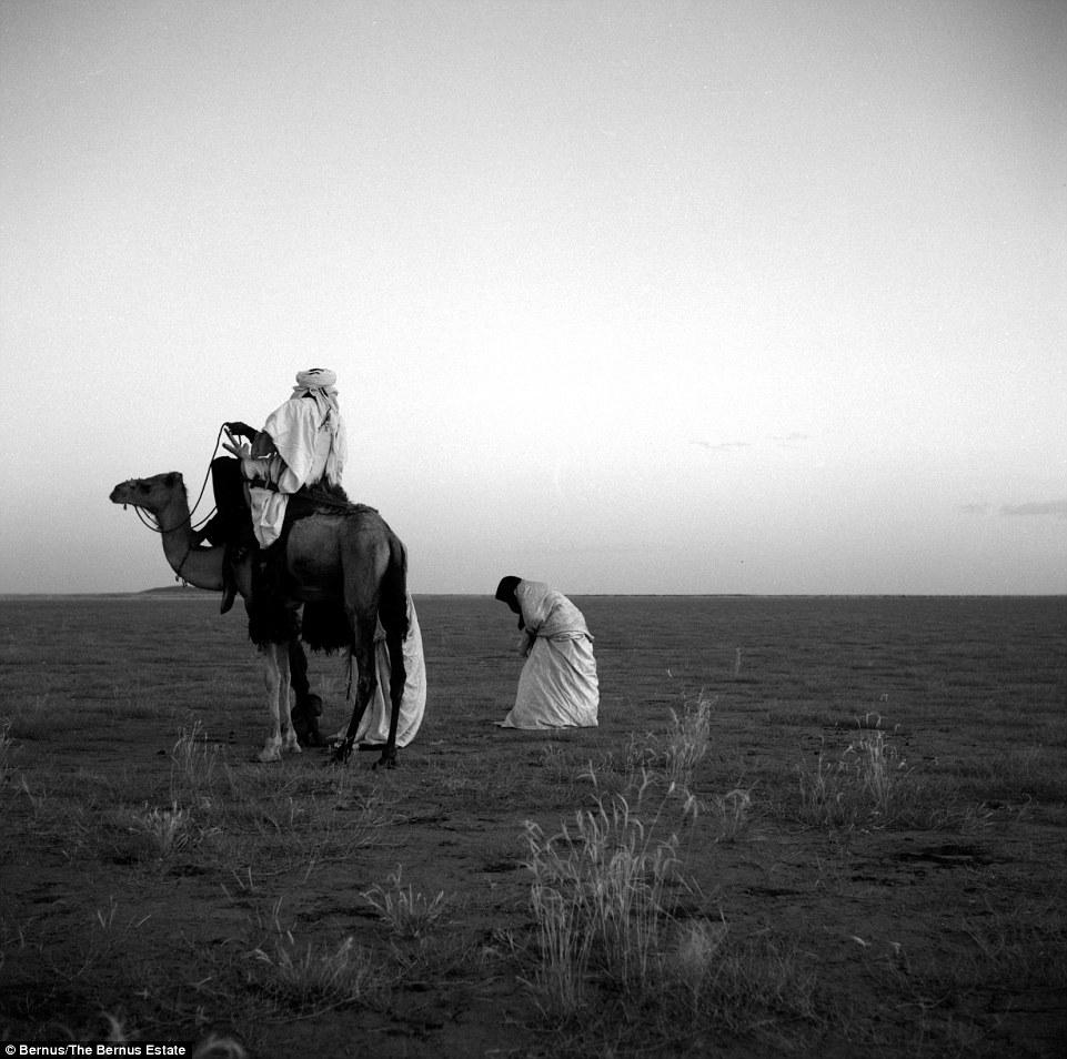 """Khám phá bộ lạc du mục """"nữ quyền"""" bí ẩn ở sa mạc Sahara 9"""