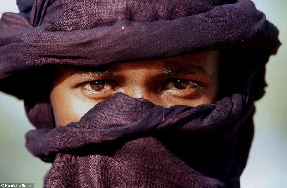 """Khám phá bộ lạc du mục """"nữ quyền"""" bí ẩn ở sa mạc Sahara 11"""