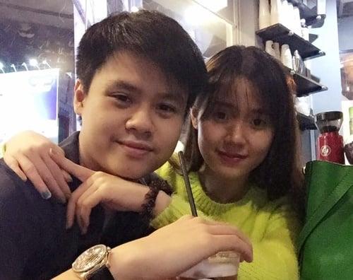 Facebook sao Việt: Midu, Đan Lê bất ngờ khoe ảnh hẹn hò 2