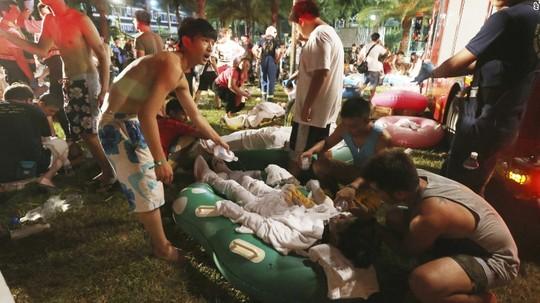 Video: Hơn 400 người bị thương vì nổ tại công viên nước ở Đài Loan 1