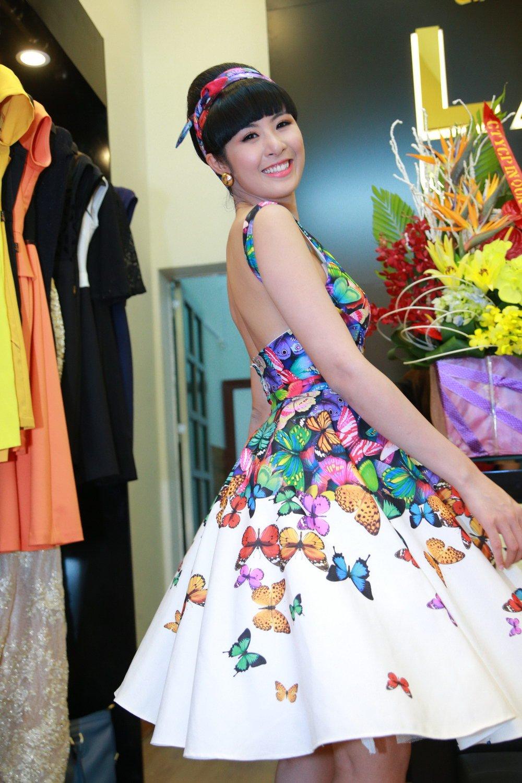 Hoa hậu Ngọc Hân đọ sắc bên Á hậu Huyền My 3