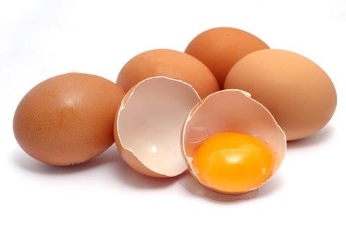 Công dụng hữu hiệu của lòng đỏ trứng gà 4