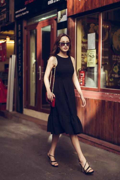 Học lỏm phong cách thời trang đường phố ngày hè của Mai Phương Thúy 2