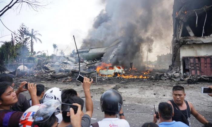 Vụ máy bay rơi ở Indonesia: Công bố danh tính phi hành đoàn 1