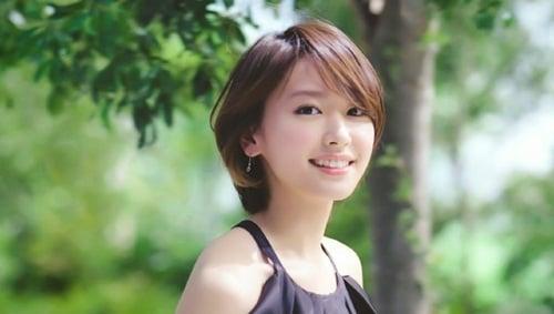 Năm 2005, cô tham gia diễn xuất lần đầu trong phim Dragon Zakura cùng với  Yamashita Tomohisa và Nagasawa Masami.