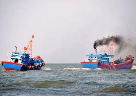Tàu cá ngư dân Bình Định nghi bị cướp biển tấn công 1