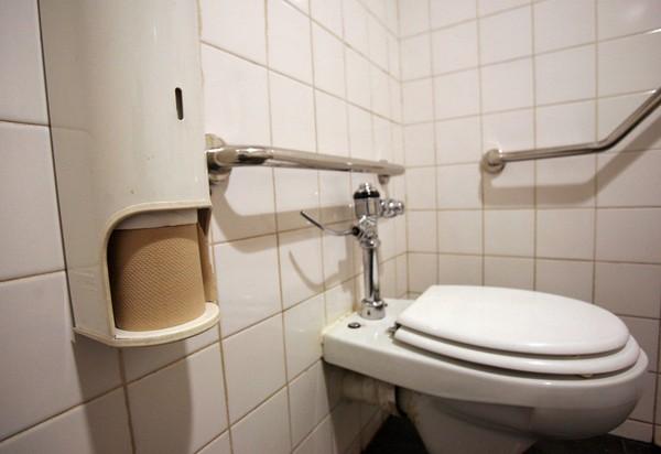 Mắc bệnh sợ toilet, cô gái trẻ tử vong sau khi