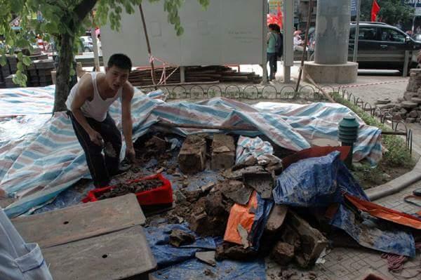 Hà Nội: Phát hiện 200 bộ hài cốt khi đào mương thoát nước 1