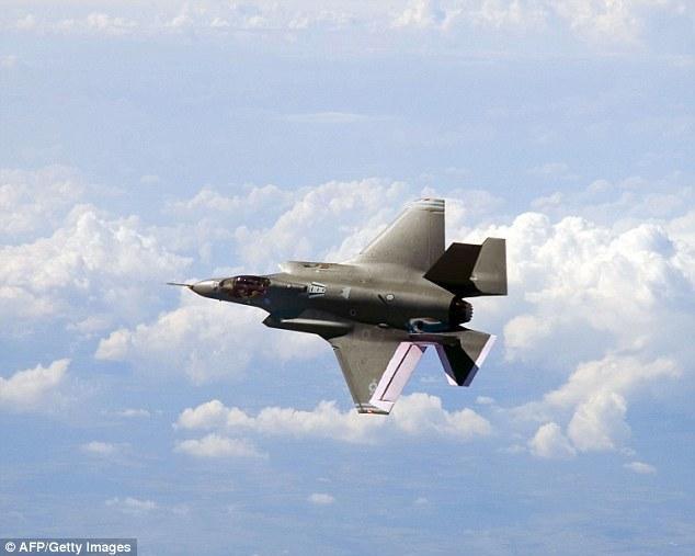Soi siêu chiến đấu cơ trăm triệu USD của Không quân Mỹ 8